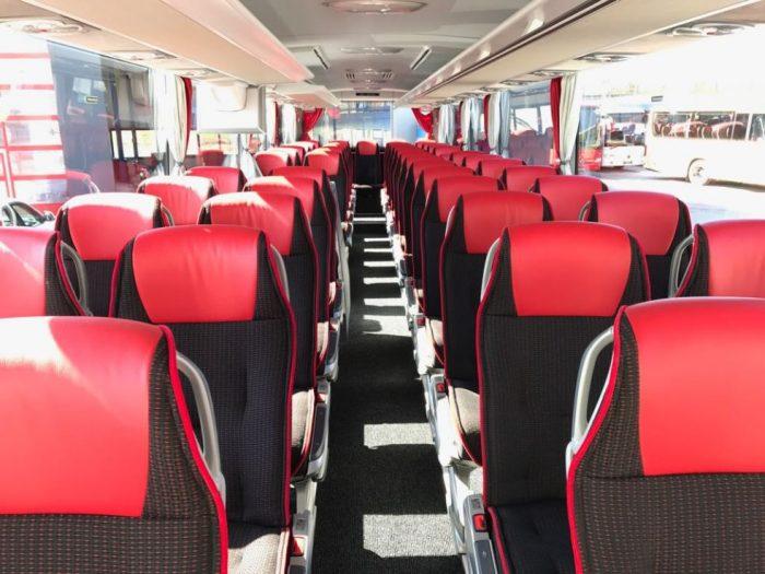 Mercedes Tourismo: 50 Sitzer – EURO 6 Motor innen