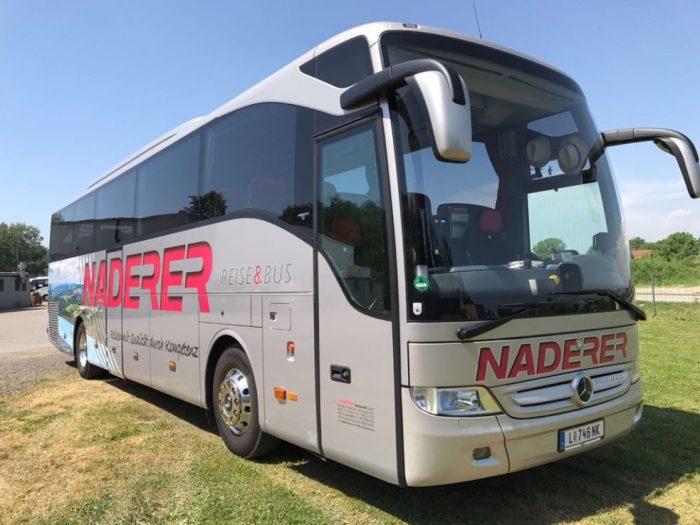Mercedes Tourismo: 50 Sitzer – EURO 6 Motor vorne