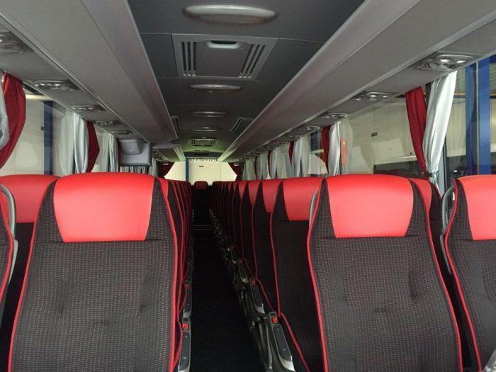 Mercedes Tourismo: 55 Sitzer– EURO 6 Motor innen