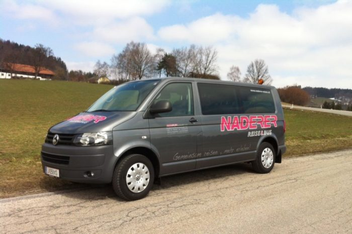 VW T5 Caravelle 9 Seater
